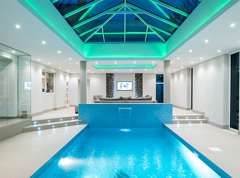 home_sportsclub_pool1